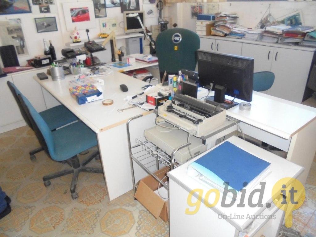 Lotto arredo e attrezzature per ufficio for Arredo ufficio firenze