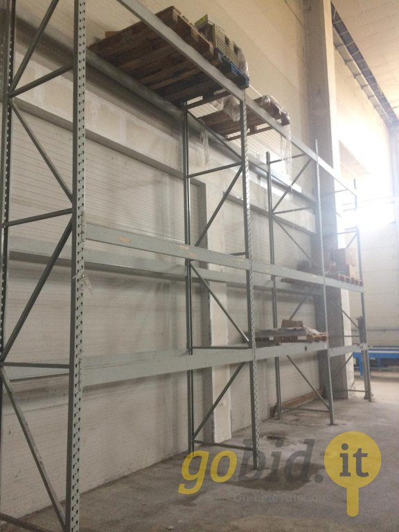 Scaffalatura Metallica A Catanzaro.Lotto Scaffalature Arredi E Attrezzature Gobid It